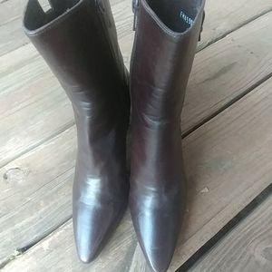 Stuart Weitzman womens brown side zip heeled boots